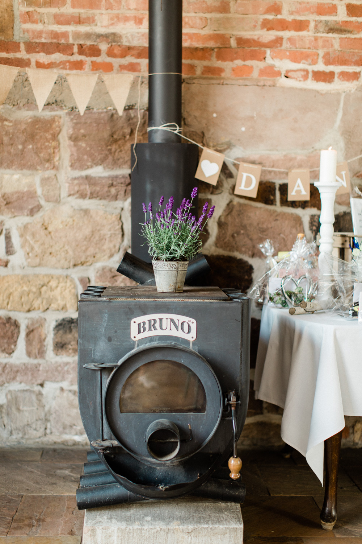 hochzeitsdeko-lavendel-vintage-romantisch